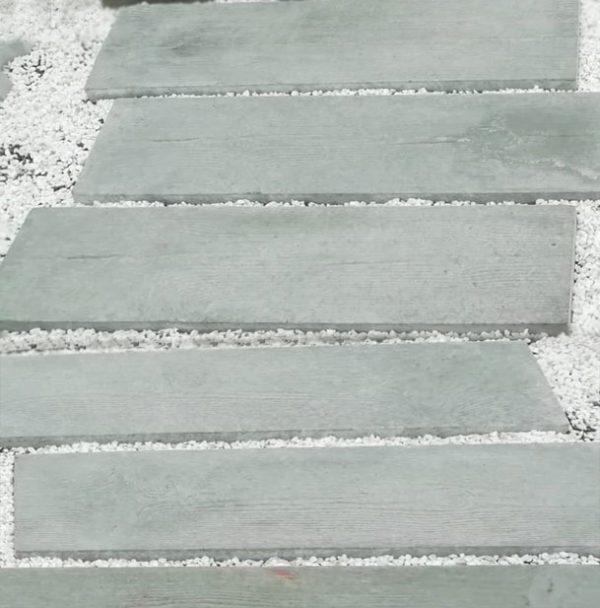 Dale de pavaje pentru gradina in forma de traverse
